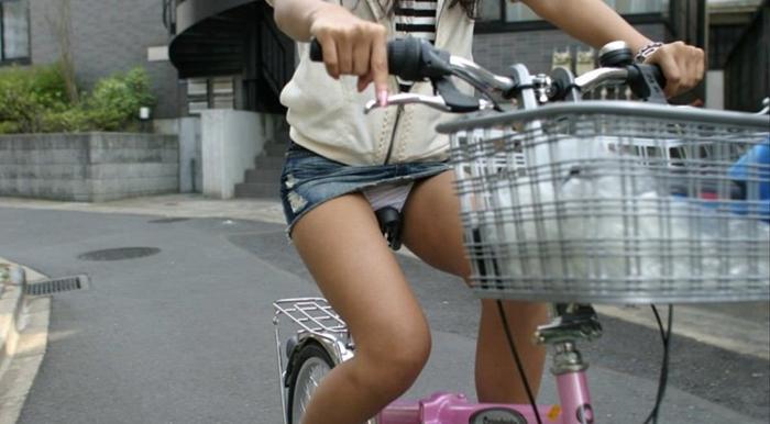 小学生 デニミニ JS・JCがミニスカ過ぎてパ…パンツ見えそうなギリギリ街撮り画像 ...